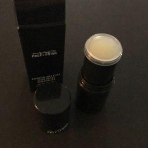 MAC Cosmetics Essential Oils Stick